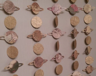 1 Paper Garland Planet Saturn, Gold Circle, Map Print Paper, Room Decoration, Party Decoration