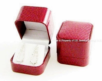 1 Elegant Red Crocodile Pattern Earring Jewelry Display Gift Box