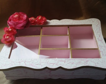 Antiqued Pink and White Jewelry Box w/Cabbage Roses