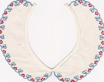 Vintage 1940's Baby White and Blue Baby Eyelet Peter Pan Collar