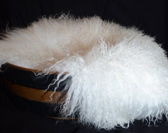 Real Geniune Mongolian / Tibetan Lamb Fur Piece perfect for infant protraits!