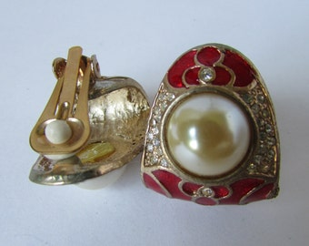 Vintage earring- Faux pearl rhinestone clip on studs- 90s Jewelry