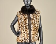 MRDline 6652006 Handmade stamped rabbit fur vest with a mao fox collar. Fashionable and elegant.