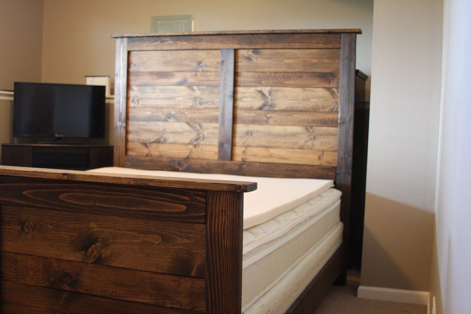 Farmhouse Style Bed including Headboard by TrulySolidFurniture