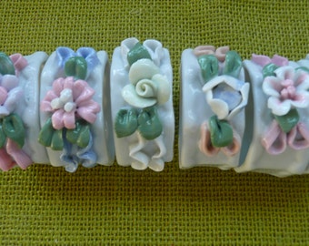 6 Beautiful Ceramic Flower Napkin Rings