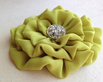 Chartreuse Flower Hair Clip.Brooch.Pin.Bridesmaid.Headpiece.Flower hair accessory.wedding.bridesmaid.Chartreuse Green.Chartreuse Hair Piece