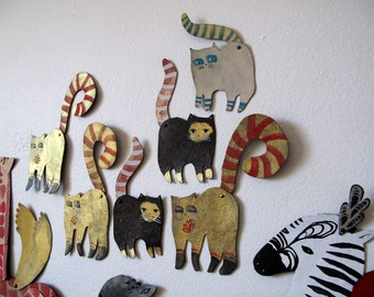 Cats or Lemurs  / Little addition Articulated Decoration  / Hinged Beasts Series