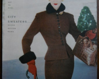 Authentic  Aug 1, 1952 Vintage Vogue  Magazine Back Issue  Fashion Changes Hat to Heel