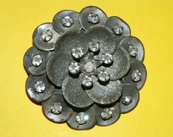 Jewelry 1960's Vintage Brooch, Pin, Rhinestone Flower Brooch, Pearl, Elegant, Classic 60's fashion , retro Wedding Bouquet Blossom