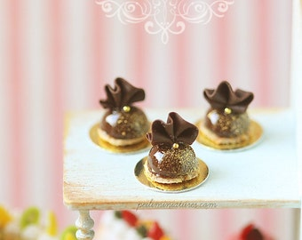 1:12 Dollhouse Miniatures - Chocolate Ruffle Dome Dessert