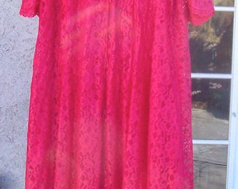 Vintage Mid Century Lace Robe Gown CHERRY RED Vanity Fair Small