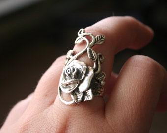 Sterling Silver Rose vine leaf design Stunning