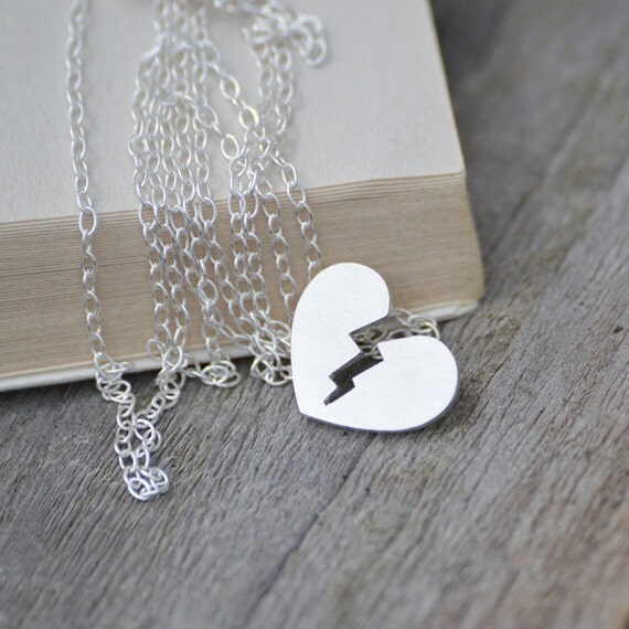 Broken heart necklace in sterling silver, with personalized message, heart broken necklace with names on
