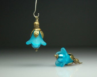 Vintage Style Bead Dangles Turquoise Blue Lucite Flowers Pair BL07