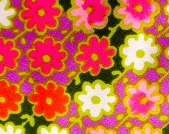 Geometric Flower Fabric//  Cotton Blend Crape Fabric for the Organized Hippie// New Old Stock