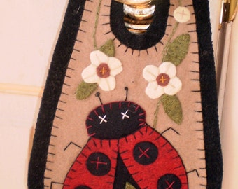 Oley Valley Primitives  LADYBUG  Penny Rug Door Knob Hanger Digital Download