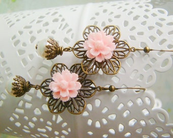 Country style light pink resin flower pearly bridesmaid antiqued bronze nickel and lead free earrings, for wife, prom dangle earrings