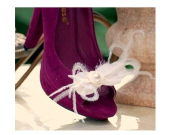 Wispy Shoe Clips Ivory / White Ostrich Feathers & Pearl. Handmade Elegant Chic Luxury Gift, Couture Bride Big Day, Feminine Bridesmaids Bows