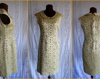 1960s - Peter Pan Collar- Gold Leaf- Paisley-  Metallic - Novelty Print - Mod - Wiggle Dress