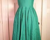 RESERVED please do not purchase Emerald Green Full Skirt Linen Dress Size 2 Petite