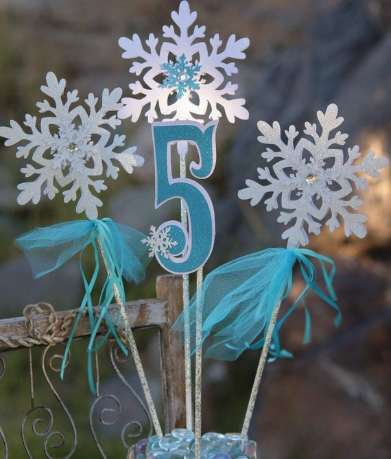 Snowflake centerpiece for frozen party birthday table
