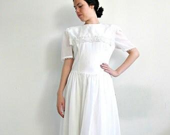 Vintage Gunne Sax Dress - 70s dress - white cotton dress  - short wedding dress - midi - festival dress - Medium