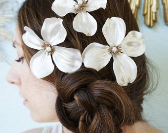 CHRISSIE -- Soft Ivory Off White Dogwood Flower Blossom Bobbies Bobby Pin Trio with Pearl Centers for a Brides Woodland Wedding
