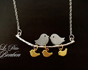 Family birds on a leaf branch in ombre style necklace