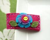 Eva - Felt snap clip hair clip with a felt and button flower