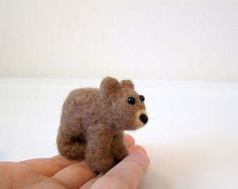 Grizzly Bear Cub - Felted Brown Bear - Animal Miniature