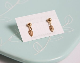 TINY LEAF Stud Earrings - Simple Silver or Gold Plated