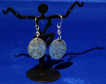 Sterling Silver scrollwork dangle earrings, Hand Engraved