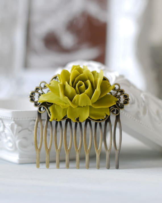 Olive Green Flower Hair Comb, Antique Brass Filigree Floral Hair Comb, Olive Wedding, Green Bridal Hair comb, Victorian Style