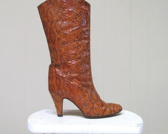 Vintage 1970s Boots / 70s Brown Snakeskin Fashion Boots / Size 6.5 US
