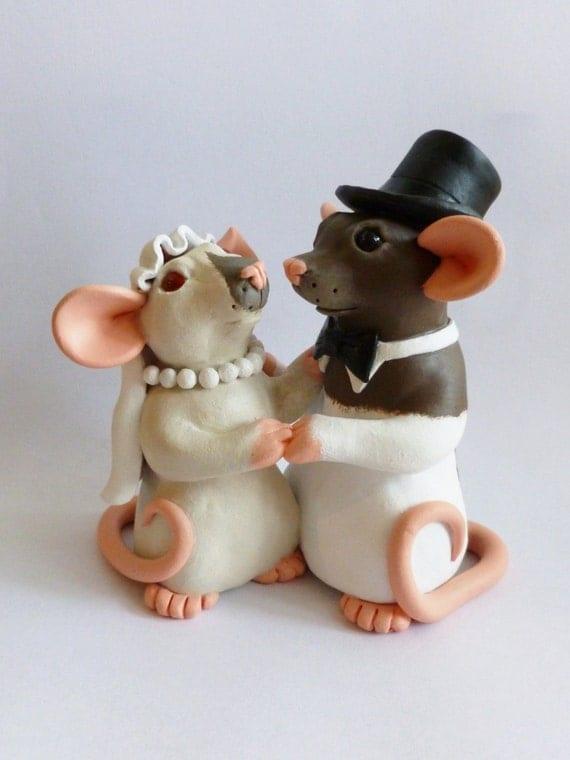Love Sculpture Wedding Cake Topper