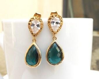 Gold Emerald Green Crystal Teardrop Earrings.Green Jewelry.Gold Earrings.Cubic Zirconia Earrings.Emerald Earrings.Bridesmaid Earrings.Dainty