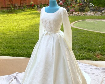 wedding  Dress with train size 12-13