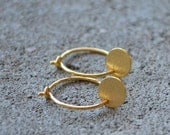 Small Sun Earrings - Gold-plated sterling silver Disc Coin Hoop Brushed metal Minimalist Modern