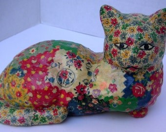 Vintage Cat Figurine by Mary Alice Maxwell (MAM)./Feline/Cat Collector,Patchwork Design