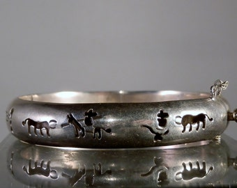 Vintage Bracelet Sterling Silver Jewelry Mexican Bangle Bracelet with Hand Tooled Southwestern Designs 62 mm Diameter DanPickedMinerals