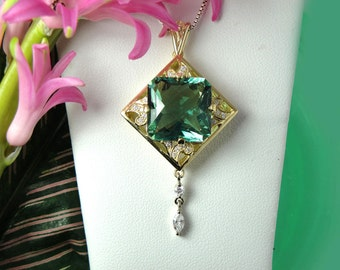 Gold Fluorite Pendant, Green Fluorite, 18k Gold Jewelry, Natural Gemstone Pendant, Green Fluorite and 18k Gold with White Diamonds