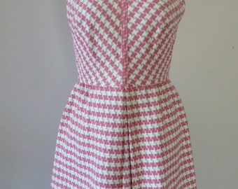 60's MOD Pink Houndstooth Dress Woven Cotton Plaid Graphic Pattern Center Pleat S