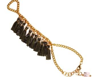 SERKET / Green Genuine Leather Hand Chain Ring Bracelet, Fringe Tassel Hand Jewelry - Tassel Slave Bracelet - Gift for Her