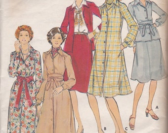1970s Button Front Dress or Top Pattern Butterick 4476 Size 14