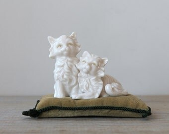 Vintage cat pin cushion / white cat figurine / sage green velvet pin cushion / cottage style home / Victorian retro style cat desk decor