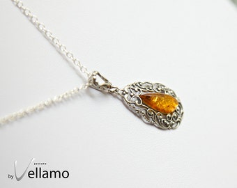 Sterling silver delicate filigree pendant with natural Baltic amber, honey color Baltic amber, golden amber antique style elegant pendant