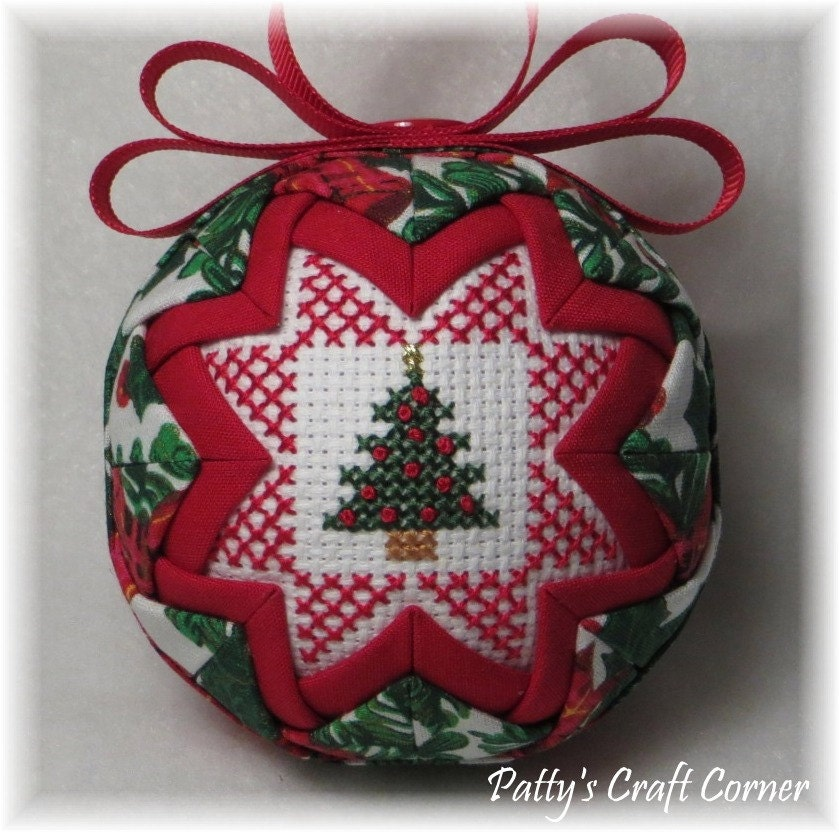 Merry Christmas Ornaments: Quilted Keepsake Ornament Merry Christmas / Christmas Tree