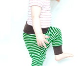 Haremshose Jungen Bio Jersey, Baby grüne Jerseyhose, Haremshosen Baby gestreift, Mitwachshosen