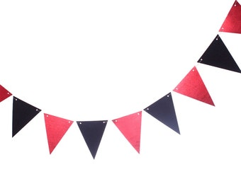 Happy Halloween Pennant Banner - Black and Red Pennant Banner -Halloween Vampire Decoration - Halloween Triangle Banner