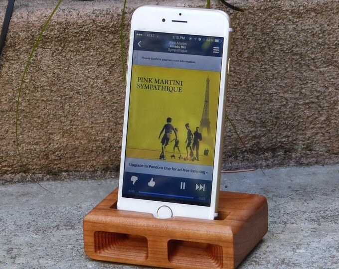 Docking Station for iPhone 6 & 7 - RETRO model in CHERRY – Use With or Without a Cover - Boosts the Sound